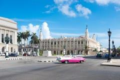 Гавана, Куба - 06 29 2018: Классический/винтажный/старый автомобиль таймера на stre Стоковая Фотография