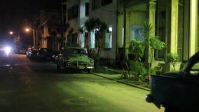 Гавана, Куба, старый американский автомобиль сток-видео