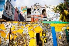 ГАВАНА, КУБА - 30-ОЕ ДЕКАБРЯ: надпись на стенах на переулке Callejon de Hamel на De Стоковая Фотография RF