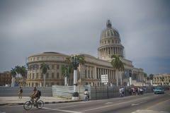 ГАВАНА - 16-ОЕ ФЕВРАЛЯ 2017 Взгляд El Capitolio, или национальный капитолий Стоковое Фото