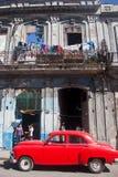 ГАВАНА 30-ОЕ ДЕКАБРЯ: Улица в старой части города 3-ье декабря Стоковое Фото