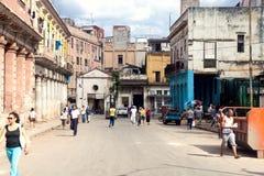 ГАВАНА 30-ОЕ ДЕКАБРЯ: Улица в старой части города 3-ье декабря Стоковые Изображения