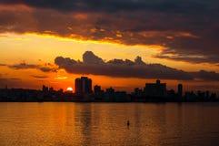 Гавана (Habana) в заходе солнца Стоковая Фотография