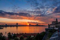 Гавана (Habana) на заходе солнца Стоковое Изображение