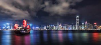 Гавань Виктории в Гонконге к ноча стоковое фото