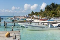 Гавань в Isla Mujeres, Мексике стоковые изображения