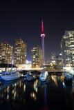 Гавань города Торонто и башня Канада cn Стоковая Фотография