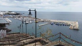 Гавань городка Puerto del Кармена старая стоковое изображение