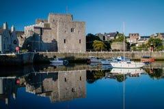 Гавань замка и Castletown Rushen замка Стоковые Фотографии RF