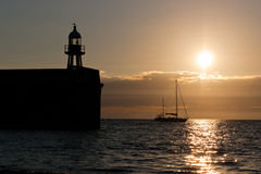 Гавань и яхта Erin порта на заходе солнца Стоковая Фотография RF