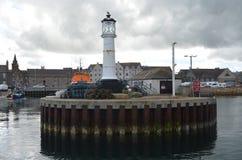 Гавань и inshore рыбопромысловый флот в Kirkwall, острове материка, оркнейских островах Шотландии стоковые фотографии rf