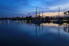 Гавань Лонг-Бич захода солнца парусников стоковая фотография