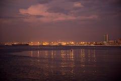 Гавань Луанды, _Night_Ships_Cranes набережной Анголы Стоковое Изображение