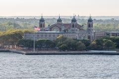 Гавань острова Ellis, Нью-Йорка стоковые фотографии rf