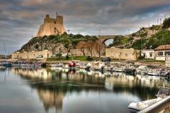 Гавань рыбацкого поселка Sperlonga итальянская старая Стоковая Фотография RF