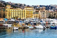 Гавань Санта Lucia в Neapel, Италии Стоковая Фотография