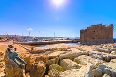 Гавань Paphos с замком, Кипра стоковая фотография rf