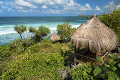 Газебо на индонезийском бароне Pantai пляжа, Jawa, Индонезия Стоковая Фотография