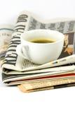 газета кофейной чашки Стоковая Фотография RF