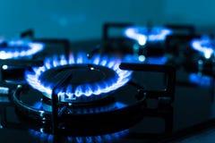 газовая плита пламен предпосылки черная Стоковое Изображение RF