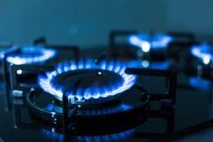 газовая плита пламен предпосылки черная Стоковое Изображение