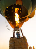 Газ пламени человека силуэтов и baloon привода Стоковое фото RF