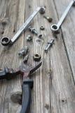 Гайки, болты, шайбы и ключ Стоковые Фотографии RF