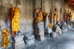 Галерея тысяч Buddhas в Angkor Wat lotuses озера Камбоджи angkor banteay ужинают висок srey siem Камбоджа стоковая фотография rf