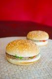 2 гамбургера Стоковое фото RF
