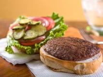 Гамбургер, открытая сторона Стоковая Фотография
