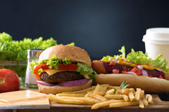 Гамбургер фаст-фуда, меню хот-дога с бургером Стоковая Фотография RF