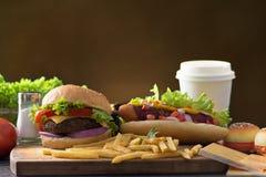 Гамбургер фаст-фуда, меню хот-дога с бургером Стоковые Изображения RF