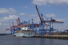Гамбург - сосуд контейнера на стержне стоковое фото rf