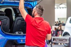 Ганновер, Германия - 2-ое апреля 2019: ЗАШЕЙТЕ Eurodrive продукция нового электрического e ИДЕТ автомобиль на стоковые фотографии rf