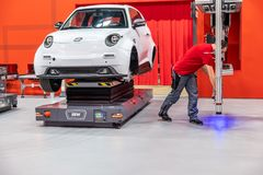 Ганновер, Германия - 2-ое апреля 2019: ЗАШЕЙТЕ Eurodrive продукция нового электрического e ИДЕТ автомобиль на стоковая фотография rf