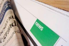 Ганновер, Германия - 16-ое апреля: Фокус на разделе новостей сверх Стоковые Изображения
