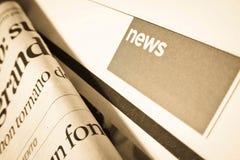 Ганновер, Германия - 16-ое апреля: Фокус на разделе новостей сверх Стоковое фото RF