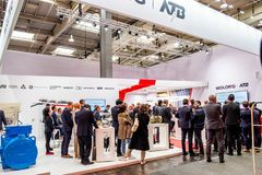 Ганновер, Германия - 2-ое апреля 2019: Wolong самое новое поколение cobots - сотруднических роботов - и стоковые изображения