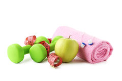 Гантели, яблоко, полотенце Стоковое Фото