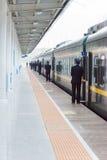ГАНЬСУ, КИТАЙ - 8-ое апреля 2015: Железнодорожный вокзал Ланьчжоу в Ланьчжоу, Стоковые Фото