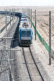 ГАНЬСУ, КИТАЙ - 13-ое апреля 2015: Locomo железных дорог HXD1C Китая электрическое Стоковые Фотографии RF