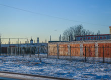 Гараж в городе зимы Стоковые Фото