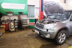 Гараж ремонта автомобиля Стоковая Фотография RF