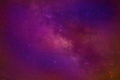 Галактика млечного пути космоса вселенной с много звезд на ноче Стоковое Изображение