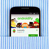 Галактика S4 Samsung показывая Androidify app Стоковые Фотографии RF