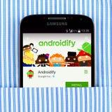 Галактика S4 Samsung показывая Androidify app Стоковая Фотография RF