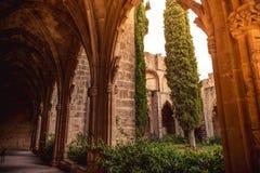 Галерея в аббатстве Bellapais Район Kyrenia, Кипр стоковая фотография rf