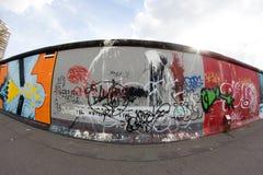 Галерея Ист-Сайд - искусство и граффити улицы в Берлине, Германии Стоковые Фото