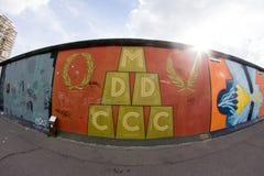 Галерея Ист-Сайд - искусство и граффити улицы в Берлине, Германии Стоковое фото RF
