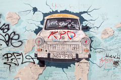 Галерея Ист-Сайд - искусство и граффити улицы в Берлине, Германии Стоковое Фото